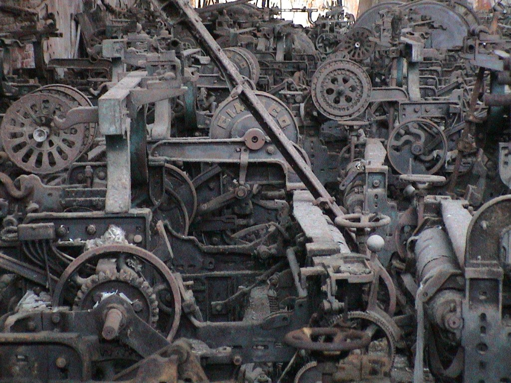 Machinery in Kohinoor Mills no.1-2, Dadar (East), 2002