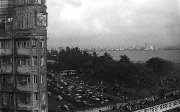 बॉम्बे टाइम: सत्ता, लोकसंस्कृती व अस्मिता, १८७०-१९५५